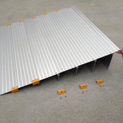 Plan incliné aluminium modulaire seniors et PMR