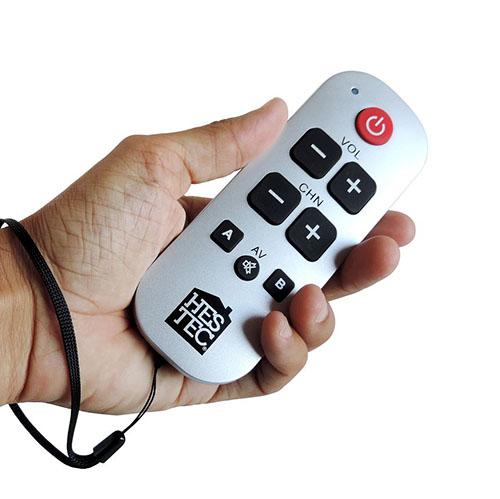 Télécommande universelle simplifiée pour seniors
