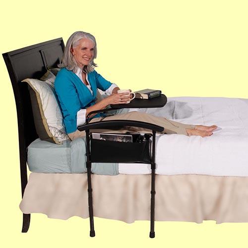 appui de lit avec tablette pivotante seniors et pmr sweetdom. Black Bedroom Furniture Sets. Home Design Ideas