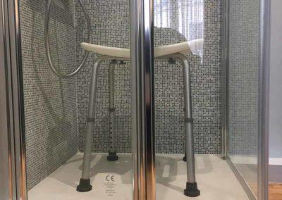 Une salle de bains «antichute» pour Senior