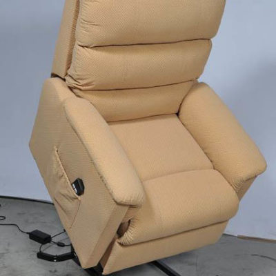 fauteuils releveurs pour seniors sweetdom. Black Bedroom Furniture Sets. Home Design Ideas